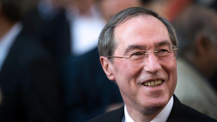 L'ancien ministre de l'Intérieur Claude Guéant au siège de l'UMP, à Paris, le 8 juillet 2013. (MARTIN BUREAU / AFP)