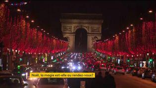 Les Champs-Elysées brillent de mille feux pour Noël 2020 (FRANCEINFO)