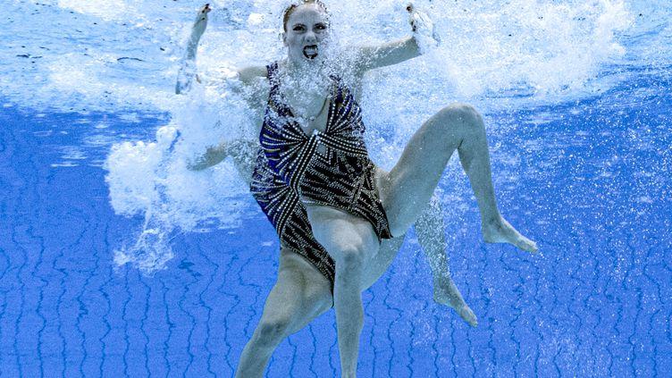 Attention, une créature étrange rôde dans la piscine olympique ! (FRANCOIS-XAVIER MARIT / AFP)