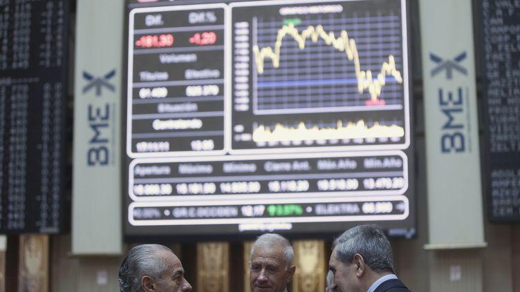 A la Bourse de Madrid (Espagne), jeudi 17 novembre 2011. (JUAN MEDIAN / AFP)