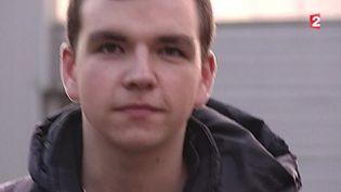 Nicolas, un jeune suivi par la mission de lutte contre le décrochage scolaire. ( FRANCE 2 / FRANCETV INFO)