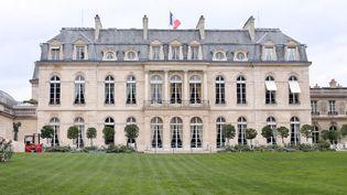 Les jardins du palais de l'Élysée, dans le 8e arrondissement de Paris. (THOMAS SAMSON / AFP)
