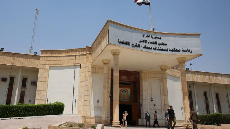 La cour d'appel de Badgad (Irak), le 29 mai 2019, où sont jugés des djihadistes français accusés d'appartenir à l'Etat islamique. (SABAH ARAR / AFP)