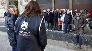 Des manifestants dénoncent un manque de politique de logement pour les sans-abri, à l'appel de la Fondation Abbé-Pierre, le 6 décembre 2017, à Marseille (Bouches-du-Rhône). (MAXPPP)