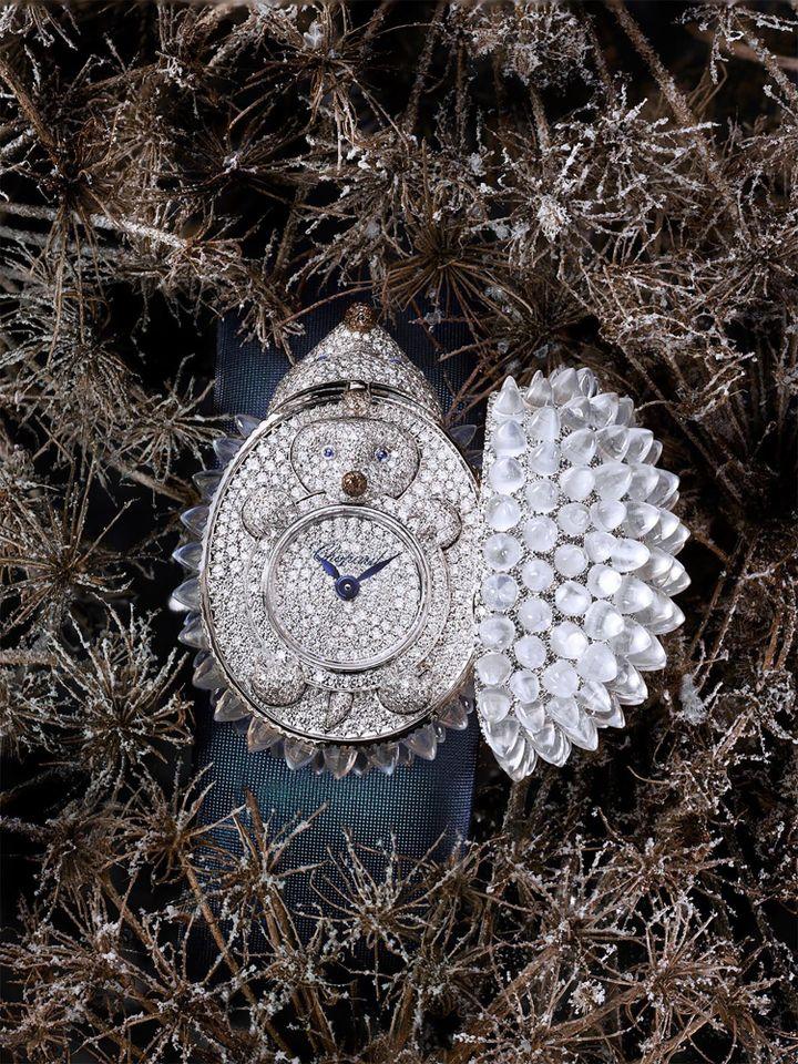 Chopard haute joaillerie : montre à secret en diamants dissimulée sous un hérisson aux piquants en pierres de lune de la collection Animal Wolrd.  (Chopard Joaillerie)