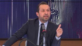 Sébastien Chenu, porte-parole du Rassemblement national, était l'invité du 8h30 franceinfo, samedi 13 février. (CAPTURE ECRAN / FRANCEINFO)