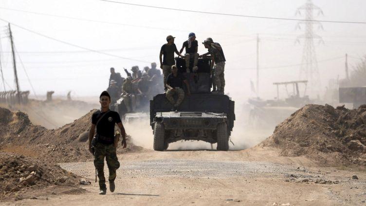 L'armée irakienne avance vers la ville de Tal Afar, dans Mossoul en Irak, le 23 août 2017. (MURTAJA LATEEF / EPA)