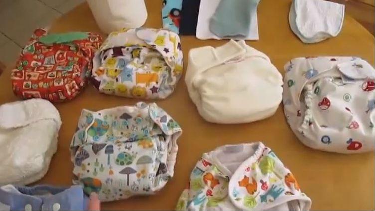 Les couches lavables sont une alternative écologique et économique aux couches jetables. Certains youtubeuses se sont emparés du sujet. (FRANCEINFO)