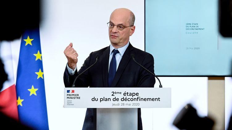 Le ministre de l'Education Jean-Michel Blanquer lors de la présentation par le gouvernement de la deuxième phase du plan de déconfinement qui doit être mis en place à partir du 2 juin, à l'hôtel Matignon à Paris le 28 mai 2020. (PHILIPPE LOPEZ / POOL)