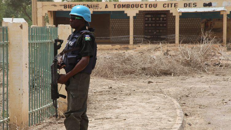 Un soldat de la Minusma à Tombouctou (Mali), en avril 2015. (SEBASTIEN RIEUSSEC / AFP)