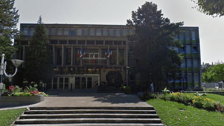 L'hotel de ville de Fontaine (Isère). (GOOGLE STREET VIEW)