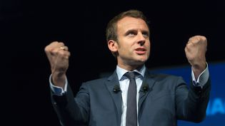 Le candidat du mouvement En marche ! à l' élection présidentielle Emmanuel Macron, prononce un discours lors d'un débat sur les technologies numériques, le 28 mars 2017 à Paris. (CITIZENSIDE/SERGE TENANI / CITIZENSIDE)