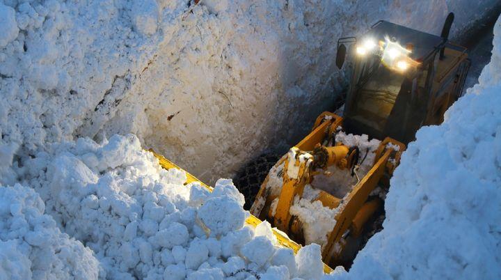 La route a pu être partiellement rouverte, mercredi 10 janvier. (ALAIN DUCLOS)