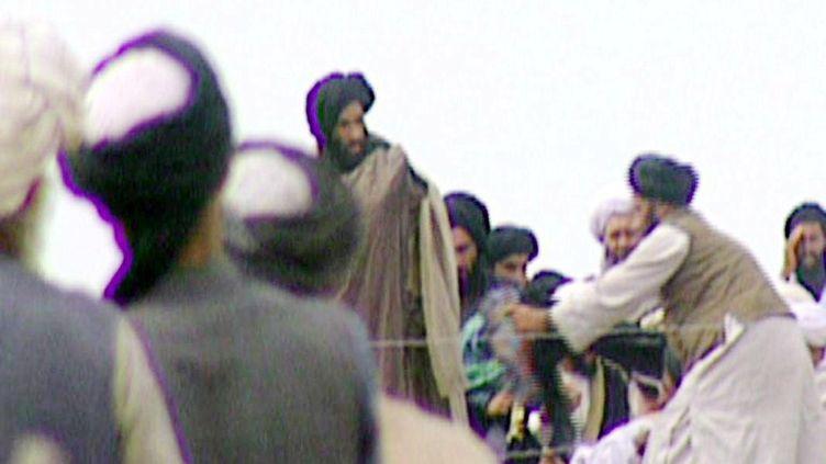 Le mollah Omar à Kandahar (Afghanistan), en 1996. (BBC NEWSNIGHT / AFP)