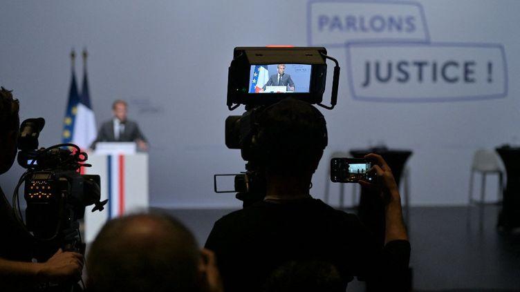 Emmanuel Macron ouvre les Etats Généraux de la Justice à Poitiers ce 18 octobre 2021. (GUILLAUME SOUVANT / AFP)