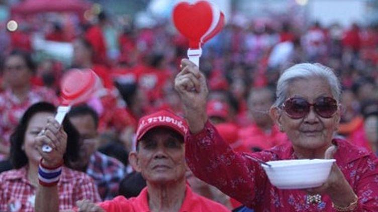 Bangkok, le 19 mai 2012: 45.000 «chemises rouges» marquent le second anniversaire des violences meurtrières de 2010 qui avaient endeuillé la Thaïlande. (BANGKOK POST PHOTO/PORNPROM SARTTARBHAYA  )