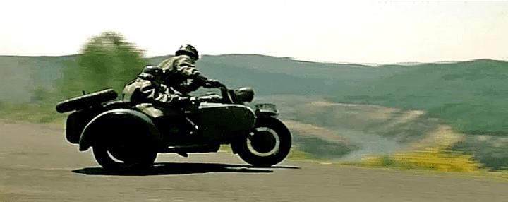 """Remy Julienne le motard allemand de """"La grande vadrouille""""  (Capture d'écran / France 3)"""