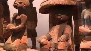 La France s'apprête à restituer au Bénin 26 œuvres d'art pillées lors de l'époque coloniale. (CAPTURE ECRAN FRANCE 2)