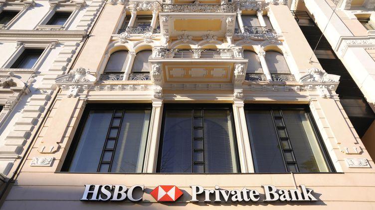 Photo prise le 19 avril 2013 devant des bureaux de la banque HSBC à Lugano (Suisse). (DINO FRACCHIA / TIPS/ AFP)