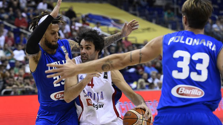 Milos Teodosic pendant Serbie-Italie (TOBIAS SCHWARZ / AFP)