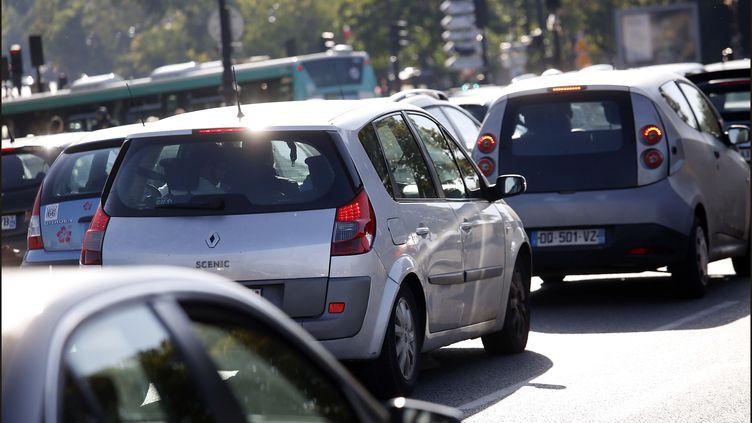 Circulation automobile à Paris (illustration). (MAXPPP)