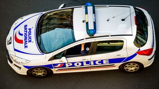 Une voiture de police, le 15 mai 2014 à Lille (Nord). (PHILIPPE HUGUEN / AFP)