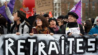Le cortège contre la réforme des retraites, à Toulouse (Haute-Garonne), le 12 décembre 2019. (ALAIN PITTON / NURPHOTO)