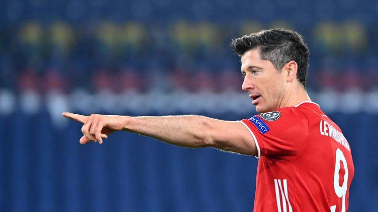 Robert Lewandowki a encore réalisé un grand match avec le Bayern (ALBERTO PIZZOLI / AFP)