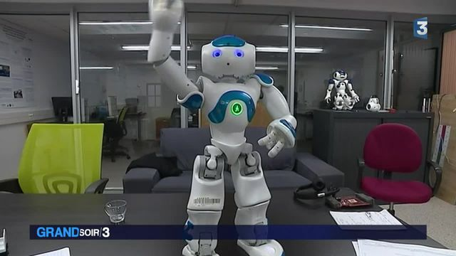 Comme les humains, Nao le robot mémorise et réfléchit par lui-même