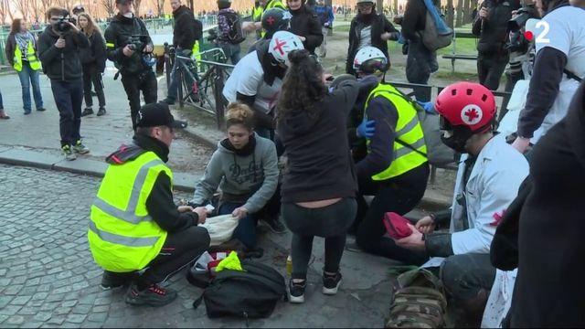 """""""Gilets jaunes"""" : des manifestants blessés et fichés par les hôpitaux"""