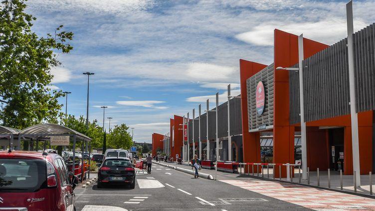 Un hypermarché à Perpignan, le 5 juin 2020. (MICHEL CLEMENTZ / MAXPPP)