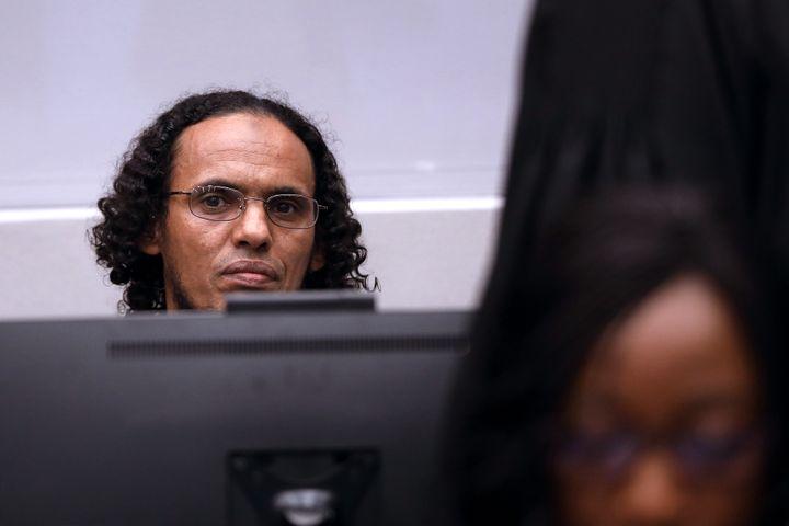 Le jihadiste malien Ahmad Al-Faqi Al-Mahdi lors de son procès à La Haye, le 27 septembre 2016. (BAS CZERWINSKI / ANP / AFP)