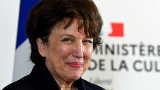 Roselyne Bachelot, ministre de la Culture dans le gouvernement de Jean Castex, lors de la passation de pouvoir de son successeur, Franck Riester, lundi 6 juillet 2020. (ALAIN JOCARD / AFP)