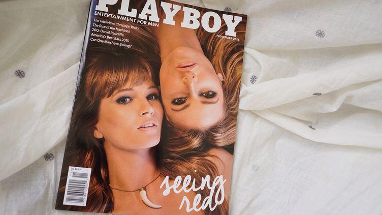 """Un exemplaire de """"Playboy"""" daté de novembre 2015, à Washington (Etats-Unis). (MANDEL NGAN / AFP)"""