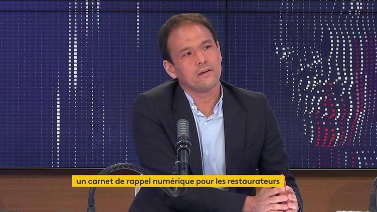 """Cédric O, secrétaire d'État chargé de la Transition numérique, était l'invité du """"8h30 franceinfo"""" le 7 juin 2021. (FRANCEINFO / RADIOFRANCE)"""