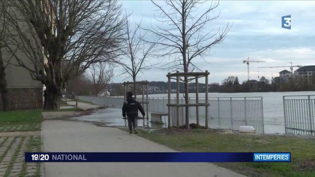 Inondations : Villeneuve-Saint-Georges sous les eaux