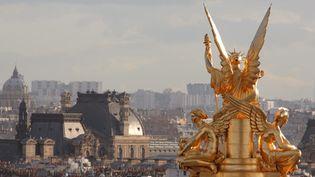 L'allégorie de la poèsie sur le toit de l'Opéra Garnier  (Manuel Cohen/AFP)