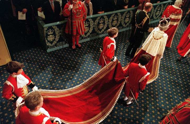 (Ouverture de la session de la Chambre des Lords au Parlement en 1998. © Maxppp)