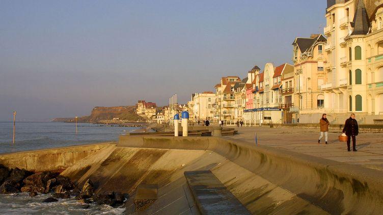Le front de mer à Wimereux (Pas-de-Calais), en 2003. (MAXPPP)