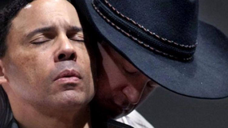 "Daniel Okulitch (Ennis) et Tom Randle (Jack) interprètent l'opéra ""Brokeback Mountain"" au Teatro Real de Madrid  (Teatro Real)"