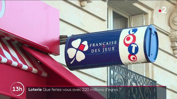 La Française des Jeux propose un jackpot faramineux de 220 millions d'euros, vendredi 15 octobre. (CAPTURE ECRAN FRANCE 2)