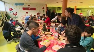Repas de Noël solidaire à Rosny-sous-Bois (Seine-Saint-Denis) (FRANCE 3)