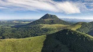 La chaîne des Puys a été reconnu par l'Unesco comme étant un site géologique exceptionnel, représentant toutes les étapes de formation d'un rift. (CORMON FRANCIS / HEMIS.FR / AFP)