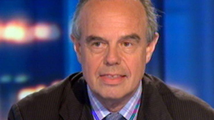 Frédéric Mitterrand au journal de 20h de France 2, le 15 juillet 2009 (© France 2)