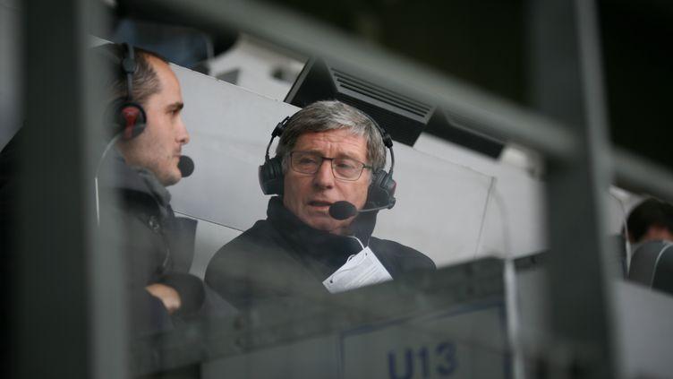 Le journaliste sportif et ancien footballeur Jean-Michel Larqué à Saint-Etienne, le 20 avril 2013. (DIDIER RAVON / DIDIER RAVON)