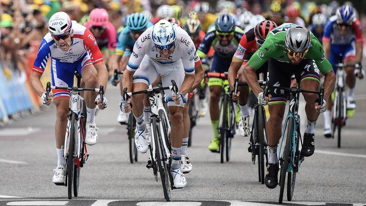 Le sprint de Valence remporté par Peter Sagan (JEFF PACHOUD / AFP)