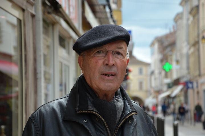 Michel, retraité, à Villeneuve-sur-Lot (Lot-et-Garonne), le 16 mai 2013. (THOMAS BAIETTO / FRANCETV INFO)