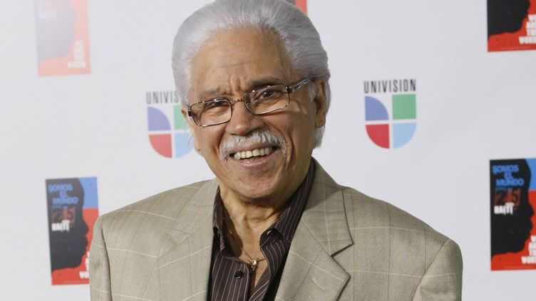 """La légende de la salsa Johnny Pacheco le 19 février 2010 lors de l'enregistrement de la version espagnole de la chanson """"We are the world"""", Miami, février 2010 (WILFREDO LEE/AP/SIPA / SIPA)"""