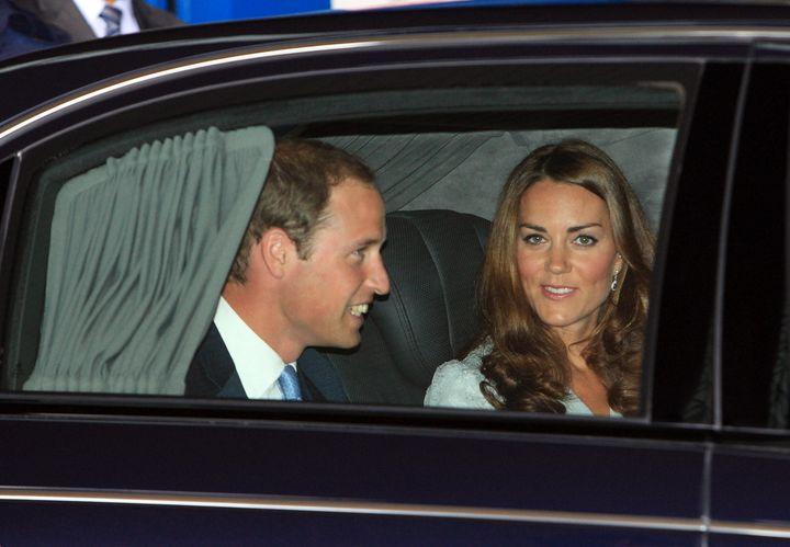 Le prince William et son épouse, Kate Middleton, le 13 septembre à l'aéroport de Kuala Lumpur (Malaisie). (SHAMSHAHRIN SHAMSUDIN / POOL)