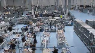 Si la reprise économique a permis de faire diminuer le taux de chômage, en Espagne, les emplois créés sont de plus en plus précaires. 15% des travailleurs vivent sous le seuil de pauvreté.  (FRANCE2)